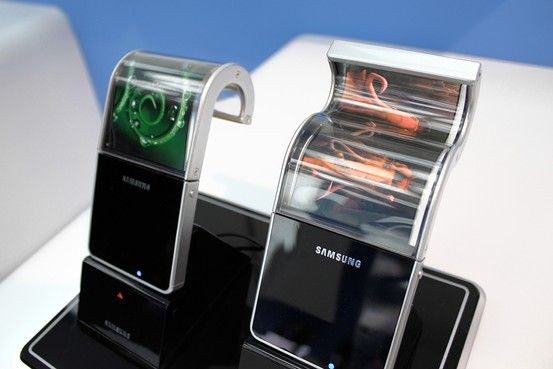 三星于2011年展示的柔性OLED显示屏