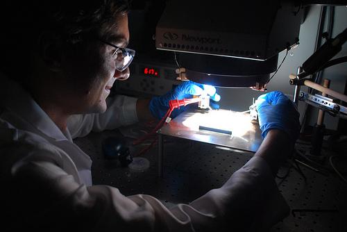 IBM 创造新型太阳能材料效率记录